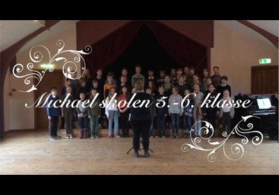 5. og 6. klasse synger
